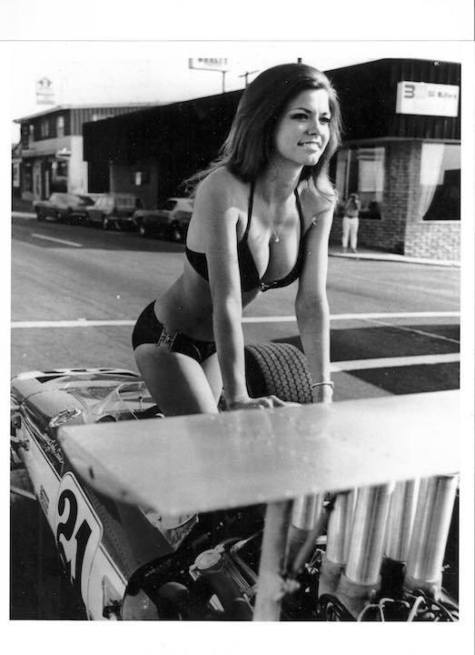 vintage_gridgirls1365.jpeg