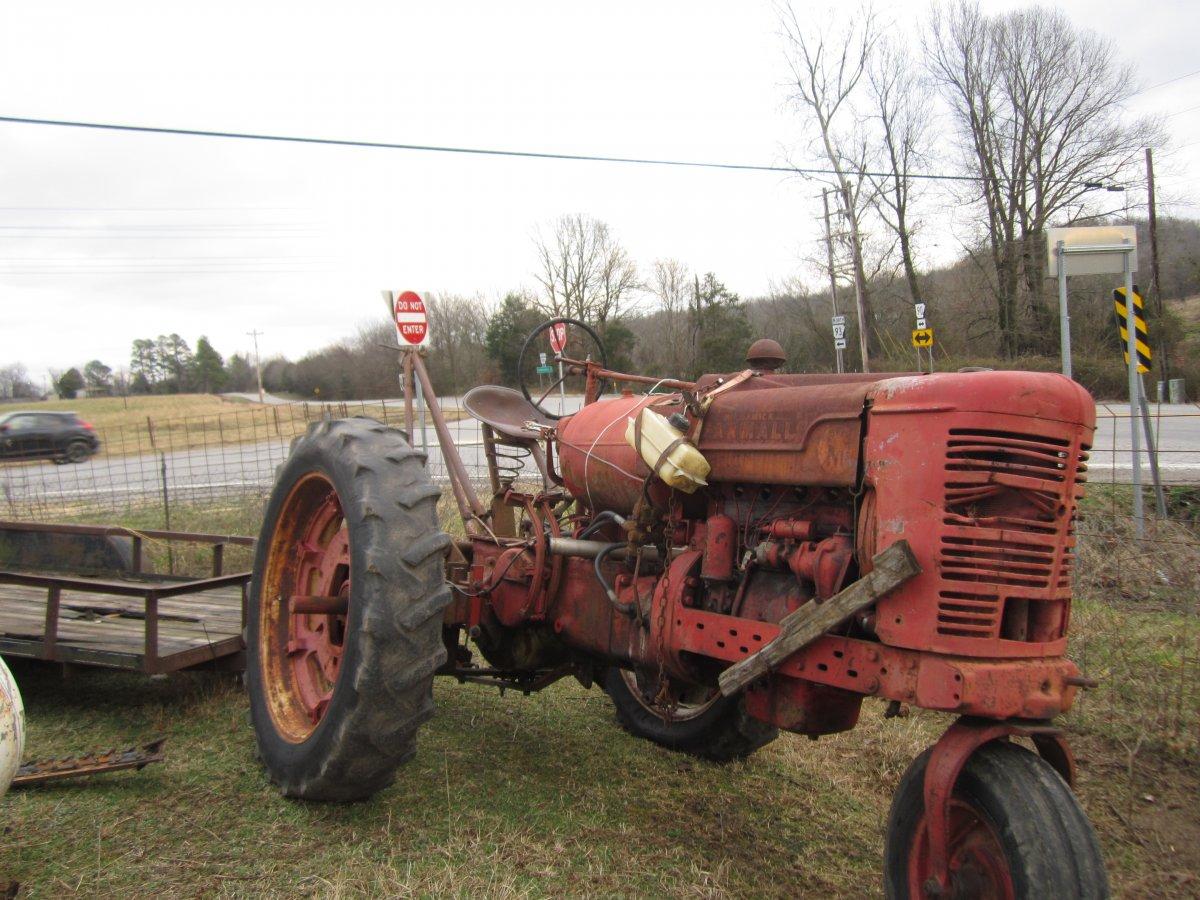 walknig tractors 007.JPG