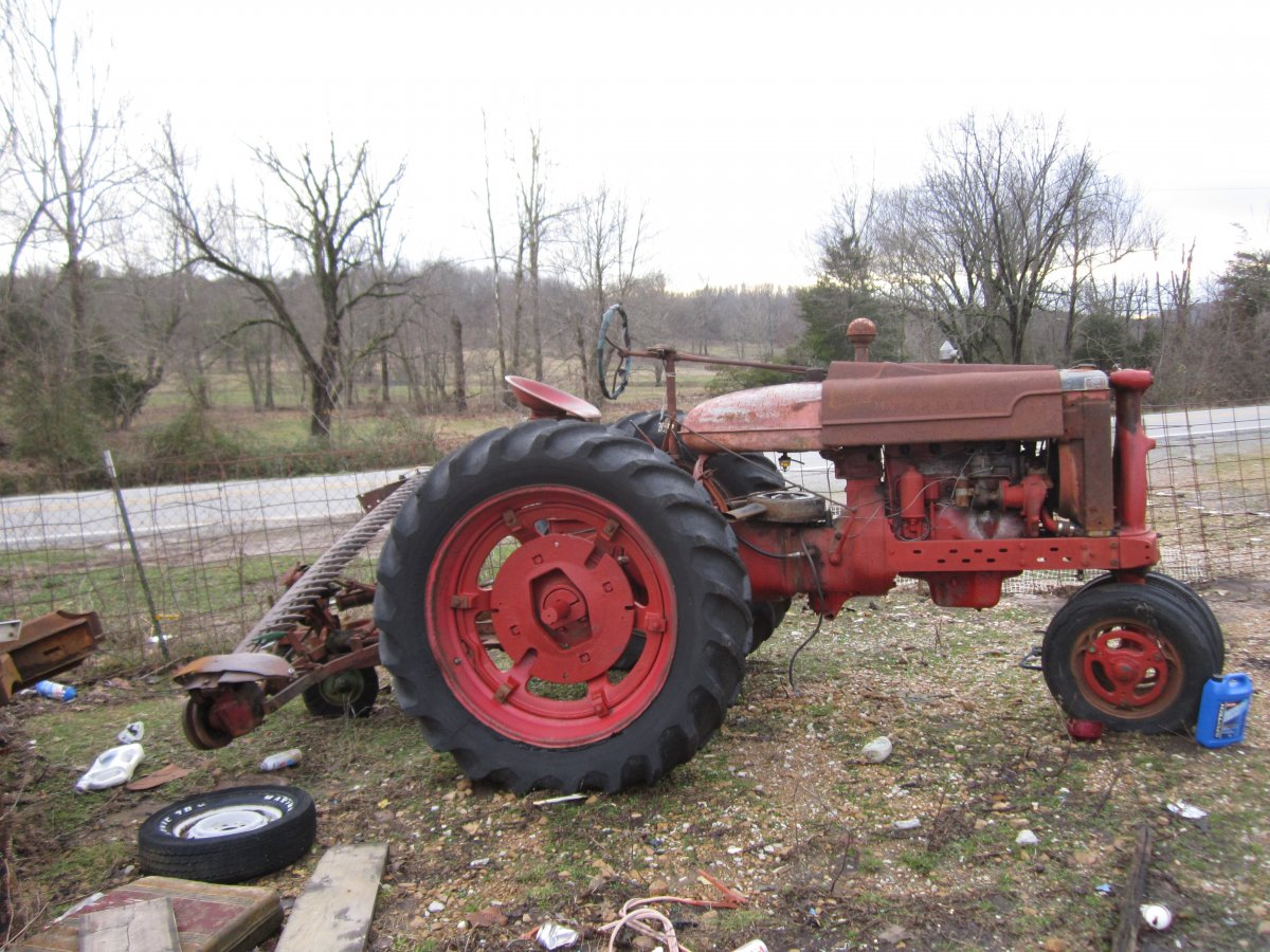 walknig tractors 009.JPG