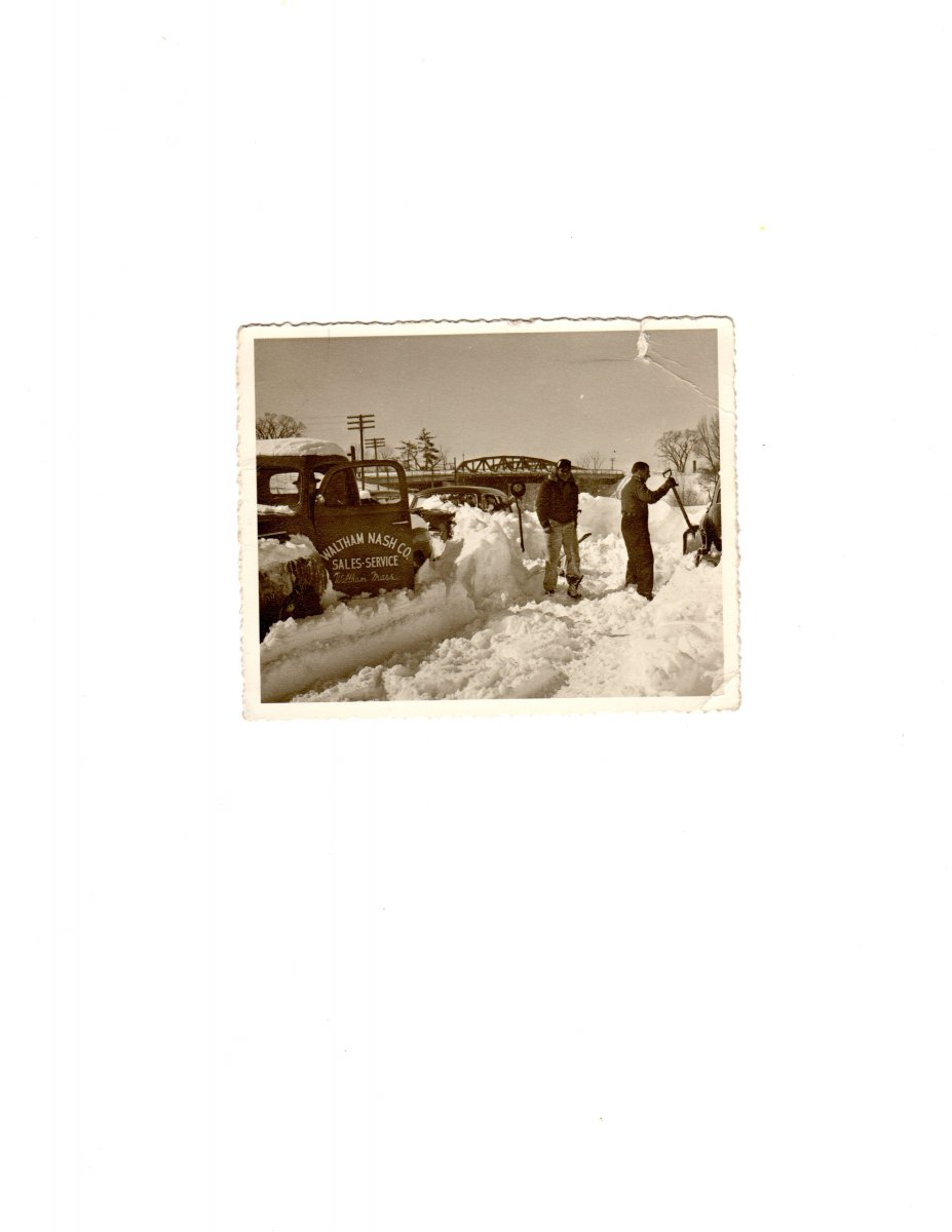 Waltham Nash shoveling out in the 50\'s.jpg