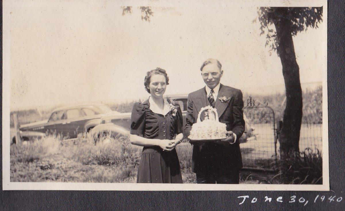 wedding 1940.jpg