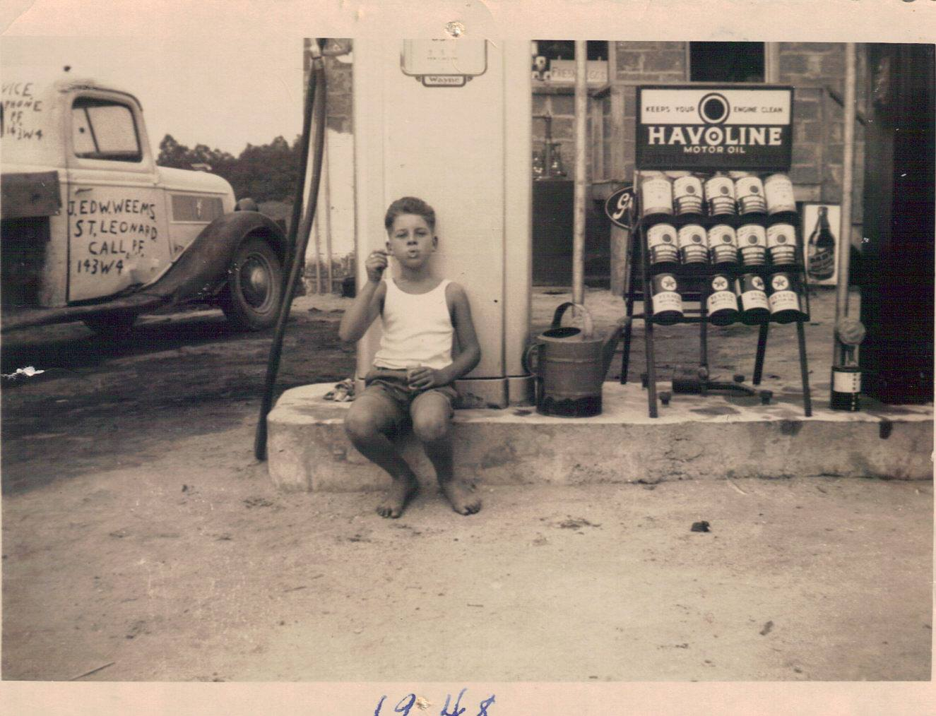 weems gas station[1].jpg