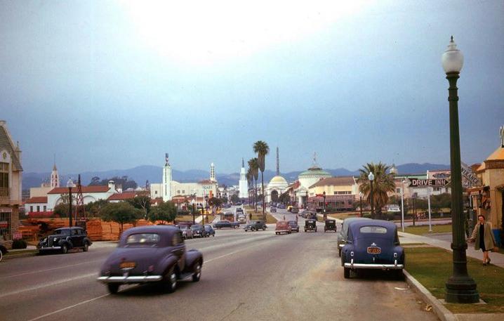 Westwood Village 1941.jpg