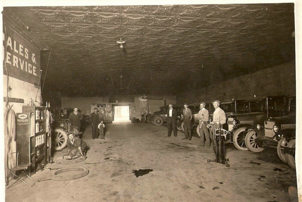 Wheaton, MN Auto Klub, circa 1926.jpg