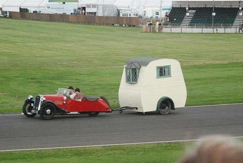 Who says 3 wheelers aren't practical.jpg