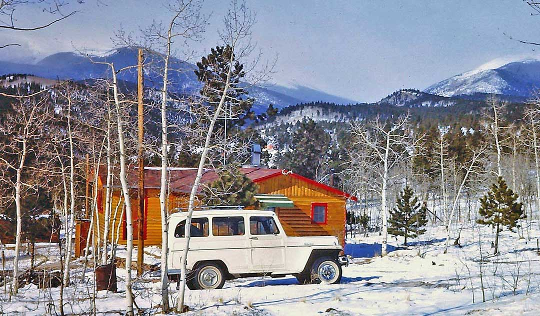 Willys-Jeep-Station-Wagon-1960-Mountain-View.jpg