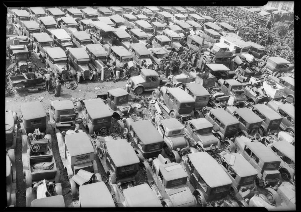 Wilshire__Western_traffic_and_automobile_graveyard_Southern_California_1932_image_3.jpg