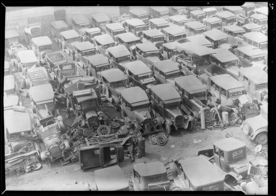 Wilshire__Western_traffic_and_automobile_graveyard_Southern_California_1932_image_4.jpg