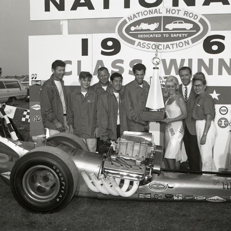 winnerscircleindy1965.jpg
