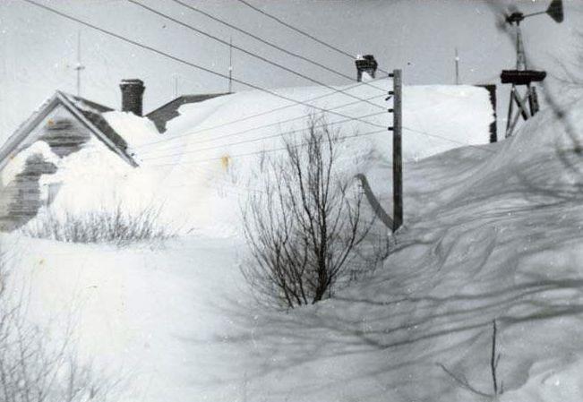 winter1949snowdrifts2.jpg