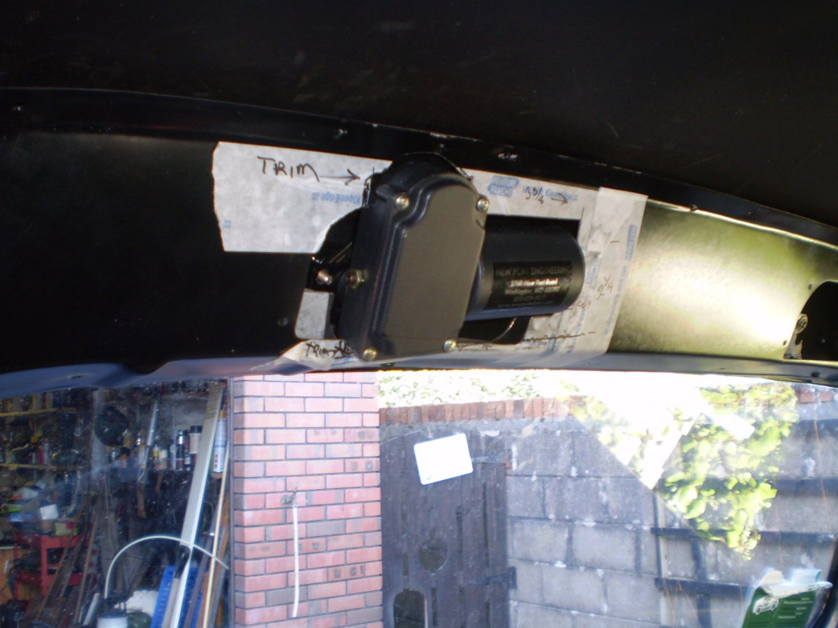 wiper panel fitted 003.JPG