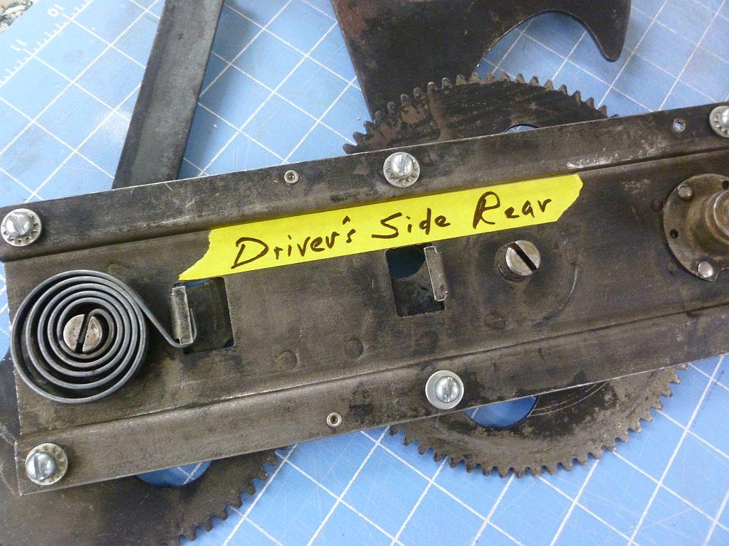 wndw reg drv side rear aprig missing  R.jpg