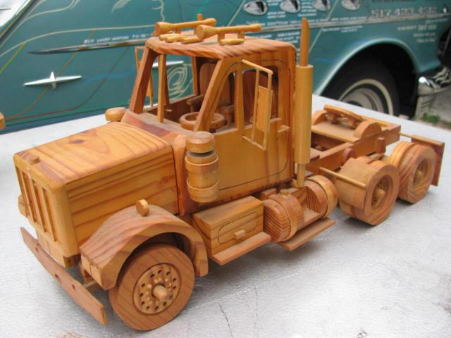 WoodenKenworth 008.jpg