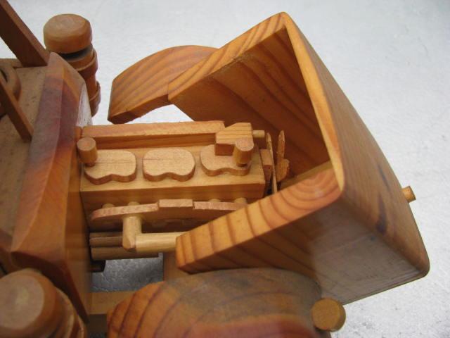 WoodenKenworth2 001.jpg
