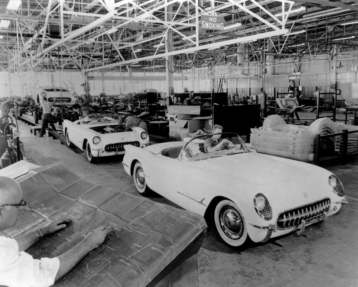 xx1953Corvetteproduction_02_2000.jpg