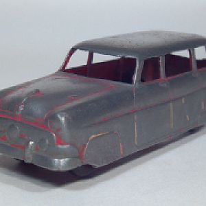 Tootsietoy_1954_ford_ranch_station_wagon_die_cast_scale_model_toy_car_1_sm