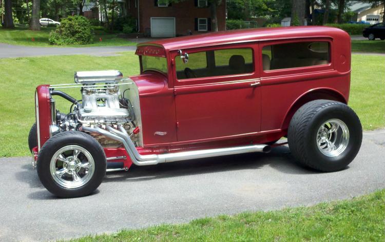 Chopped 32 plymouth tudor sedan the h a m b for 1932 plymouth 2 door sedan