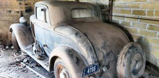 1933 Dodge Coupe = A REAL Barn Find!!